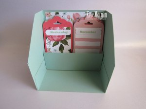 Perpetual Desk Calendar Birthday Bouquet DSP Scallop Tag Topper punch #stampinup Occasions 2016 @cardsbykate